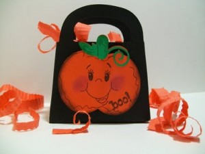 "Cricut Project ""Boo to You"" Halloween Goodie Bags & Video #33"
