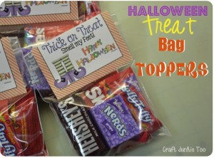 {Halloween} Treat Bag Toppers with Free Printable