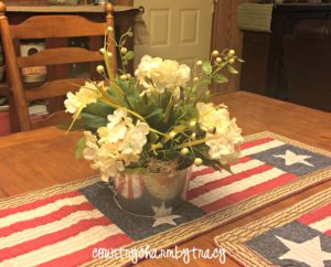 DIY Farmhouse Decor || Floral Arrangement